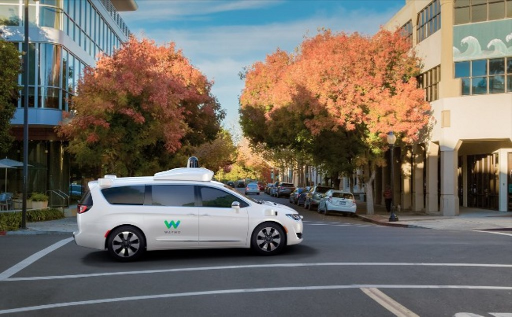 Google Waymo presenta la Chrysler Pacifica a guida autonoma