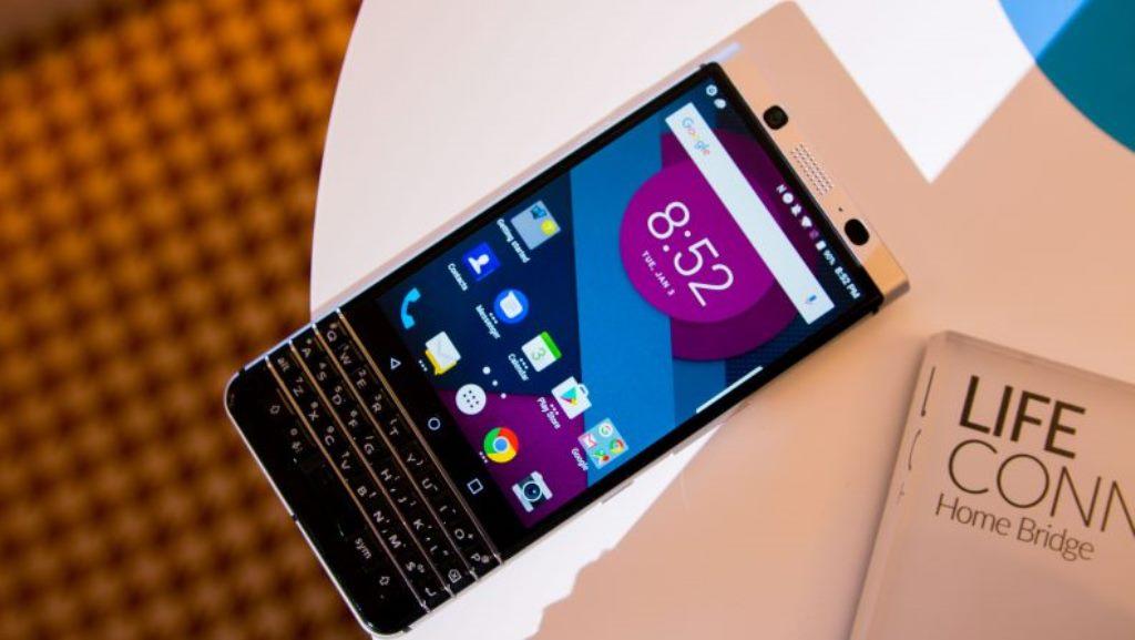 BlackBerry Mercury mostrato al CES 2017