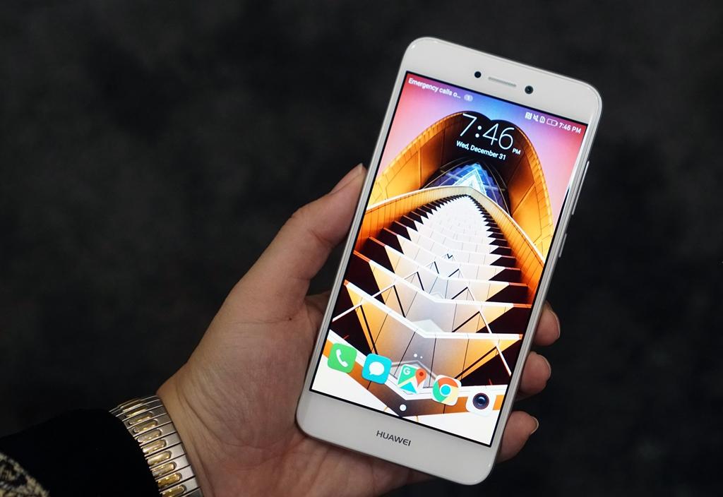 Huawei P9 Lite 2017 esposto al CES 2017