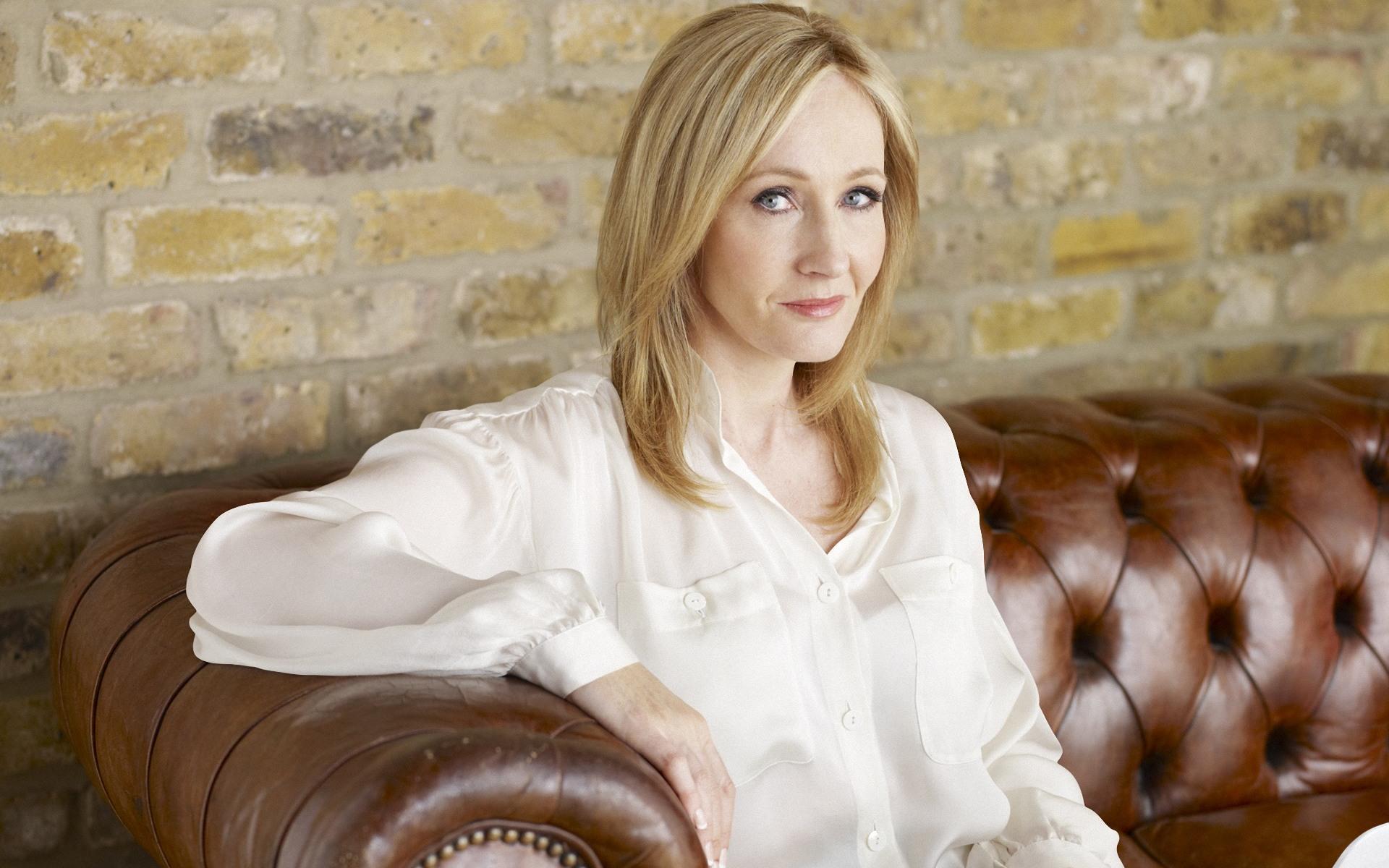 J.K. Rowling risponde alle minacce dei sostenitori di Trump