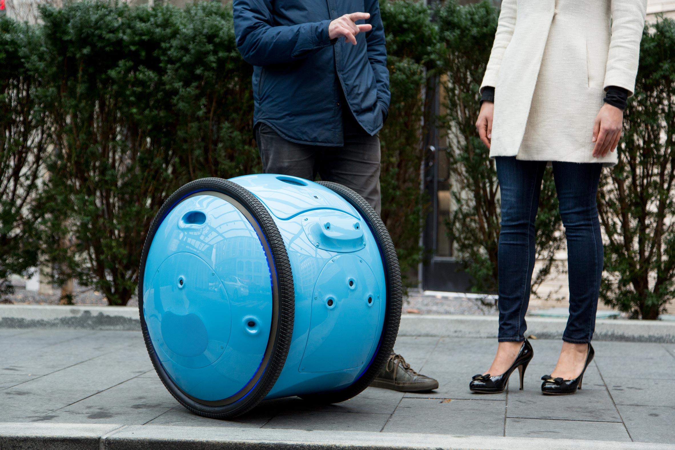 Piaggio Gita, la valigia diventa smart