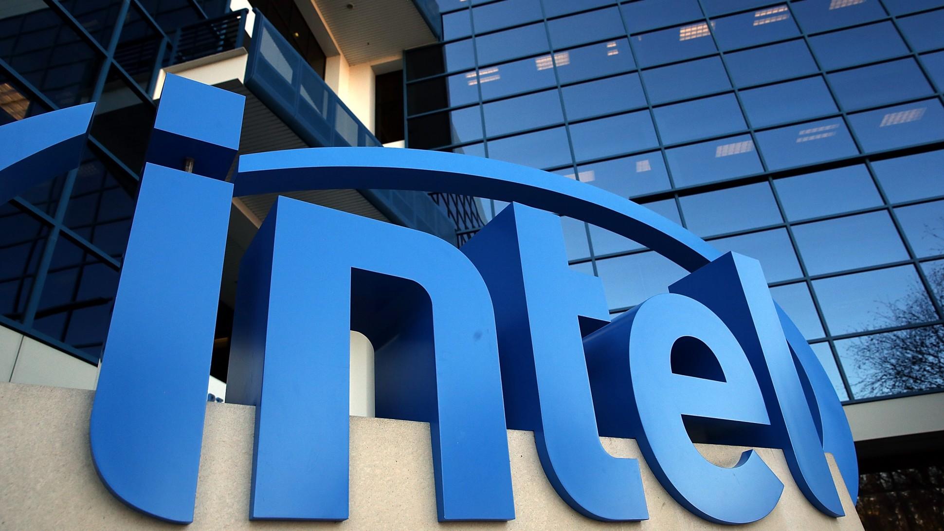 """Intel: """"la carenza di chip durerà un paio di anni"""""""