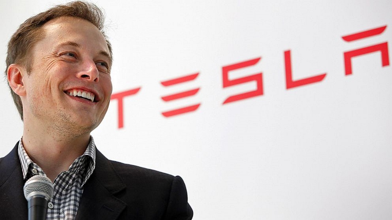 """Elon Musk ai dipendenti: """"entrate in modalità super hardcore, dobbiamo raggiungere i nostri obiettivi"""""""