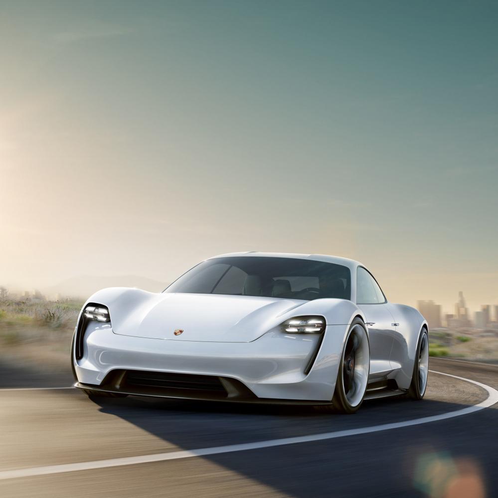 Auto Elettriche vs. Auto a Idrogeno: un po' di chiarezza