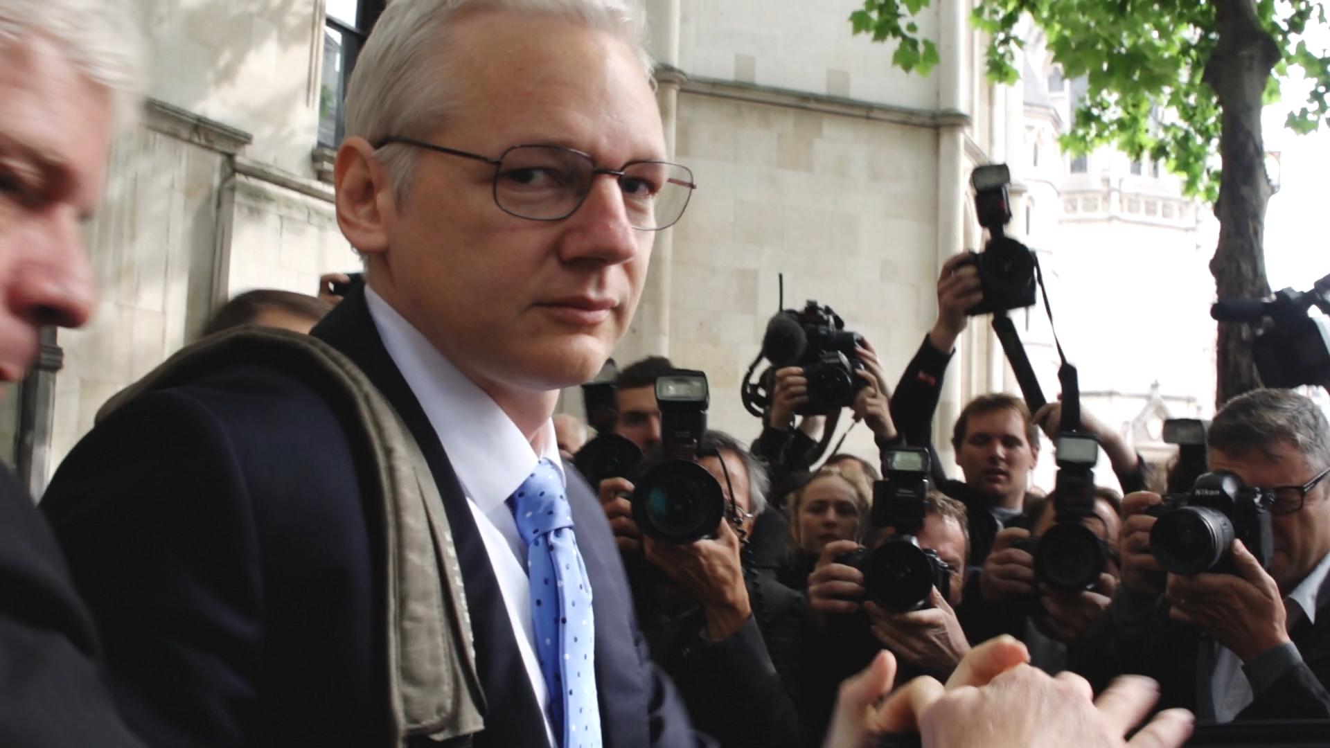 Julian Assange, niente estradizione negli Stati Uniti