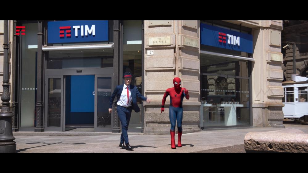 Spider man protagonista del nuovo spot tim leganerd for Soggiorni estivi telecom 2017