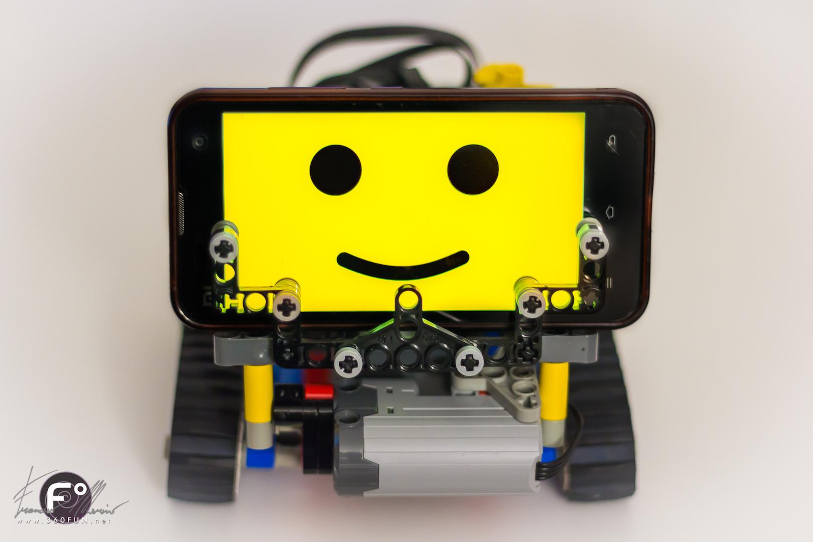 SBrick.js: Robotica semplificata grazie a LEGO, SBrick e Web Bluetooth