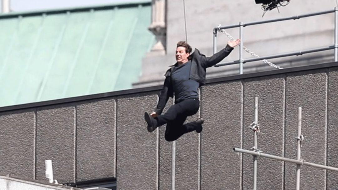 Tom Cruise si ferisce durante uno stunt di MI:6