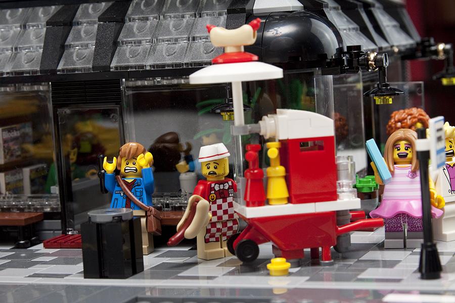 Diorama Di Spider Man Homecoming Lego Per La Rivista