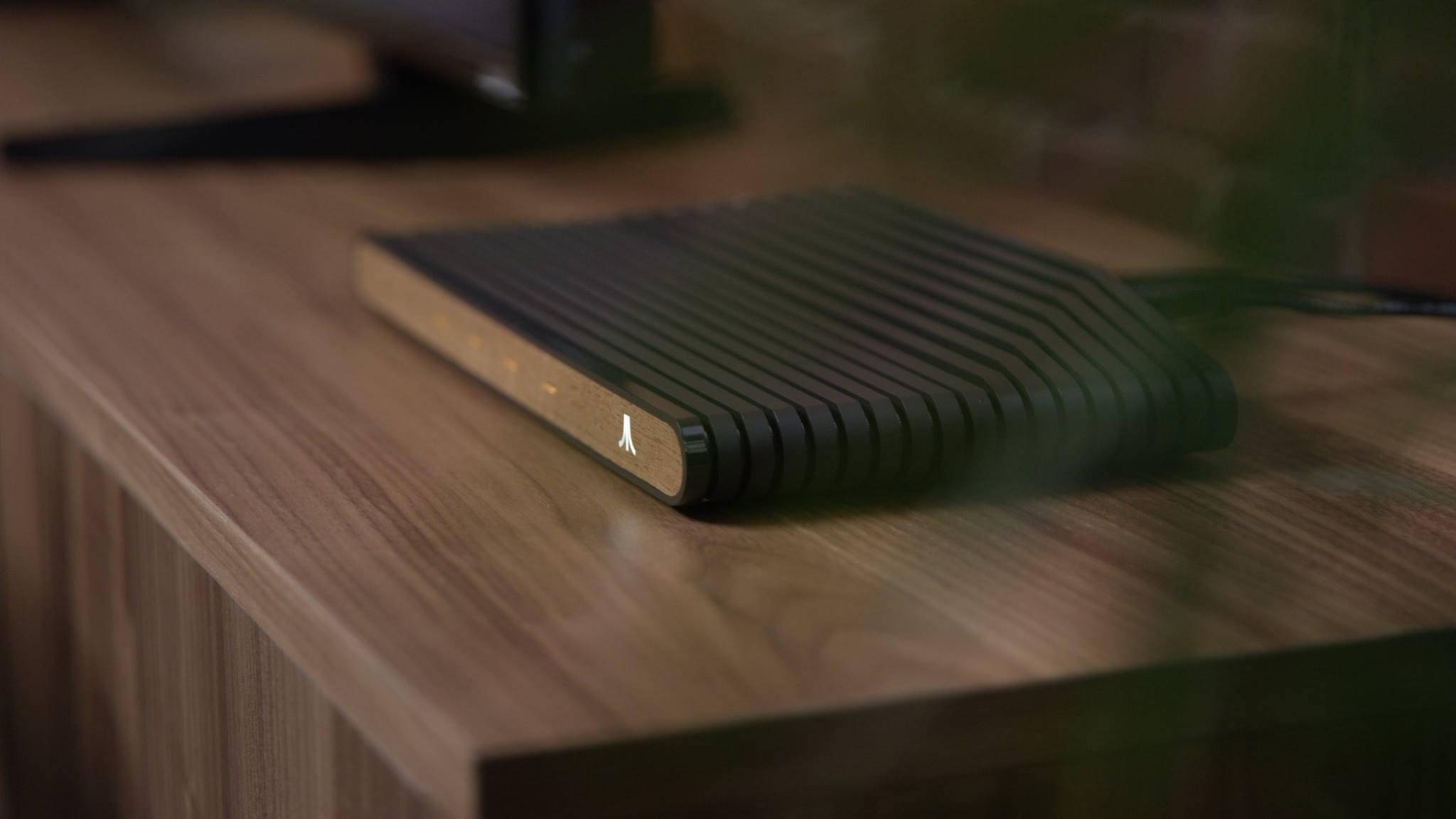 Prime foto ufficiali e nuovi dettagli per Ataribox