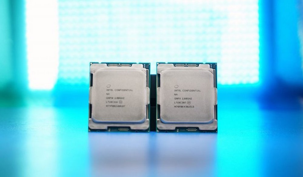 Intel presenta l'i9 7980XE e l'ottava generazione di CPU main-stream