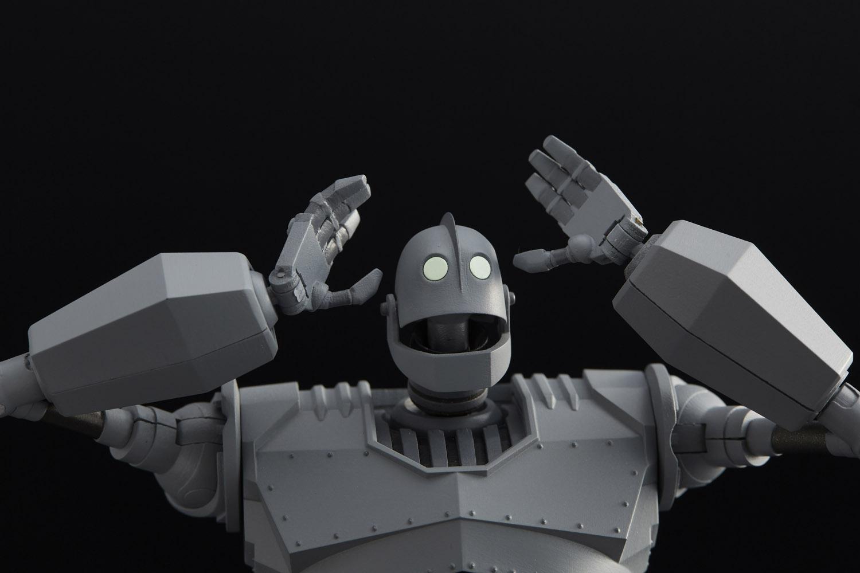 1000toys presenta Riobot Iron Giant