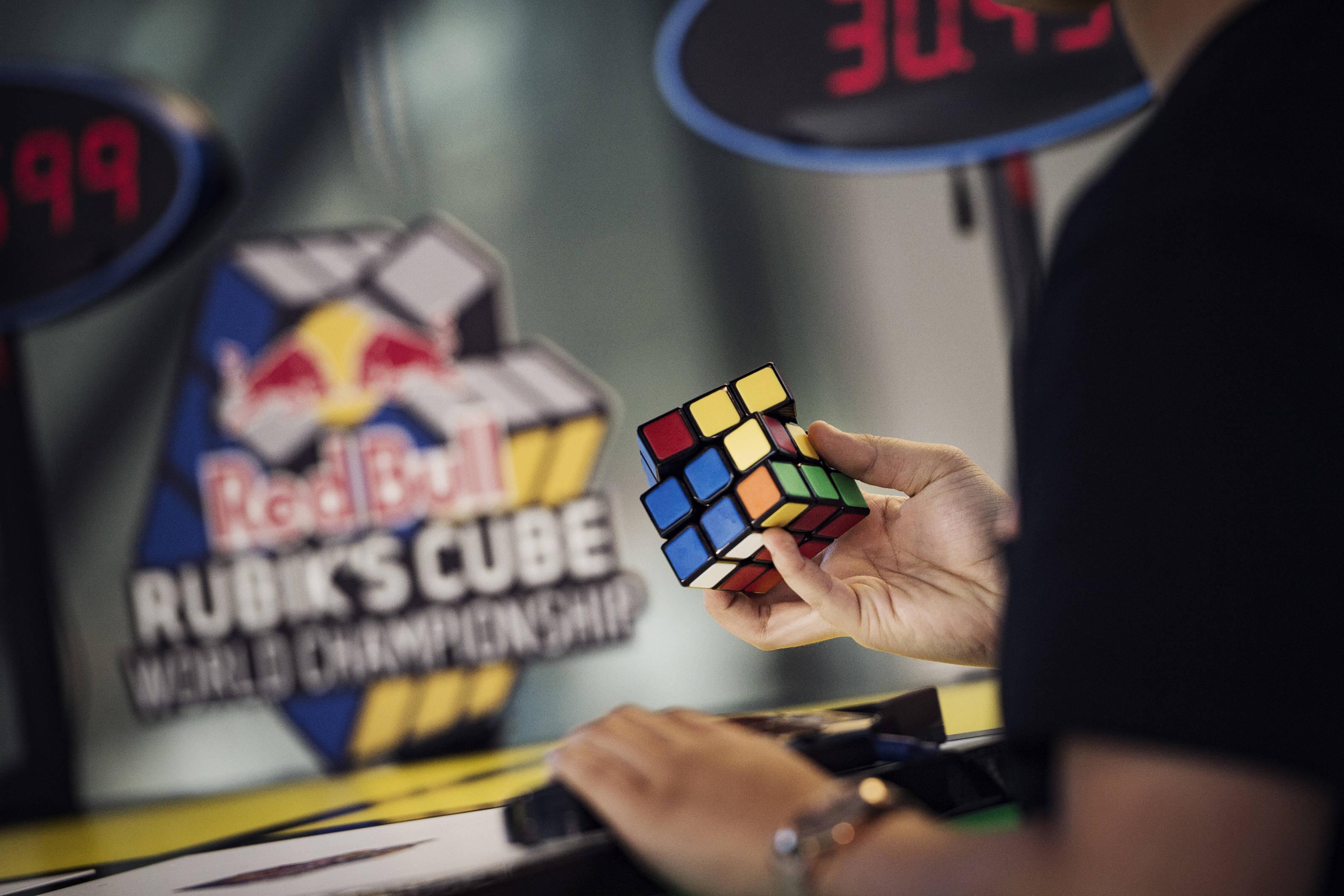 Il primo Red Bull Rubik's Cube World Championship si terrà a Boston il 22 settembre