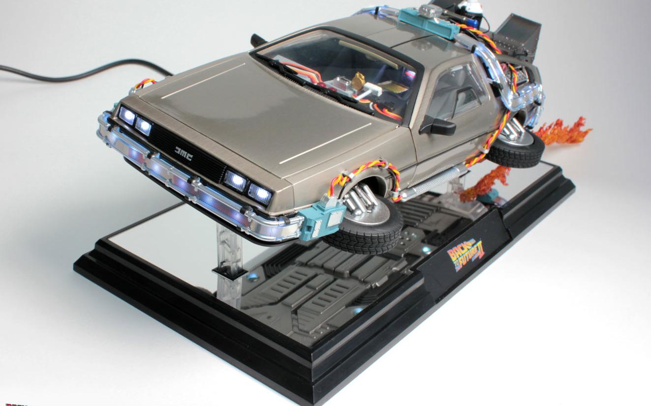 Disponibile al preordine una fantastica replica della DeLorean di Ritorno al Futuro II