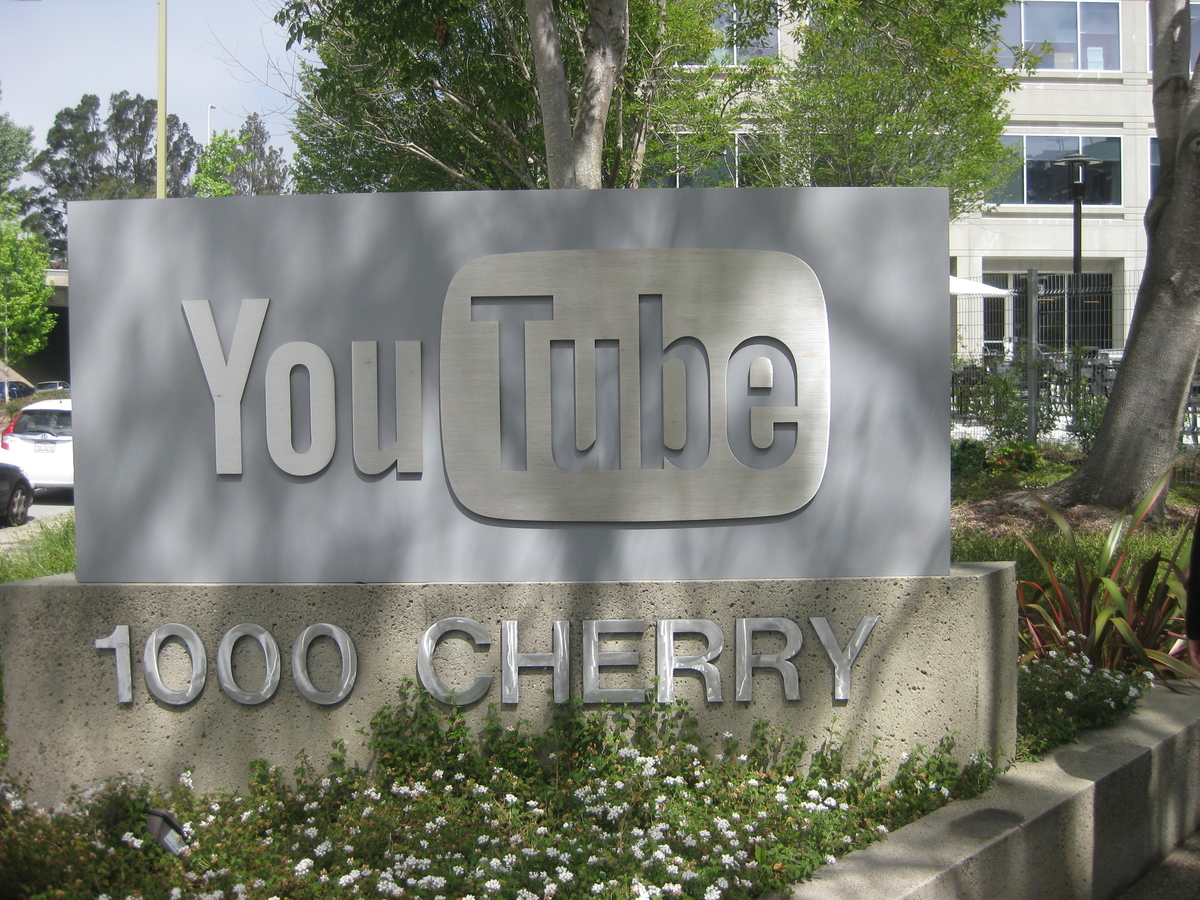 Sparatoria nella sede di Youtube in California
