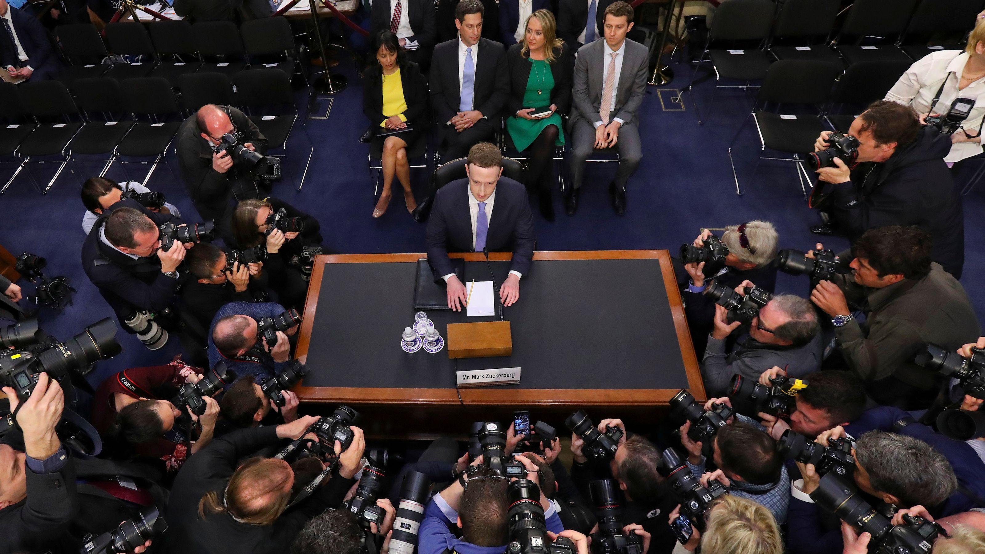 Zuckerberg ascoltato dal Senato: com'è andata