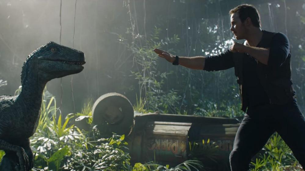 Chris Pratt, dinosauri e company nelle foto ufficiali di Jurassic World 2