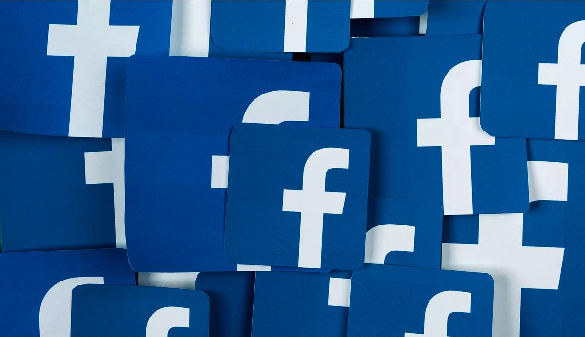 Facebook testa i gruppi a pagamento