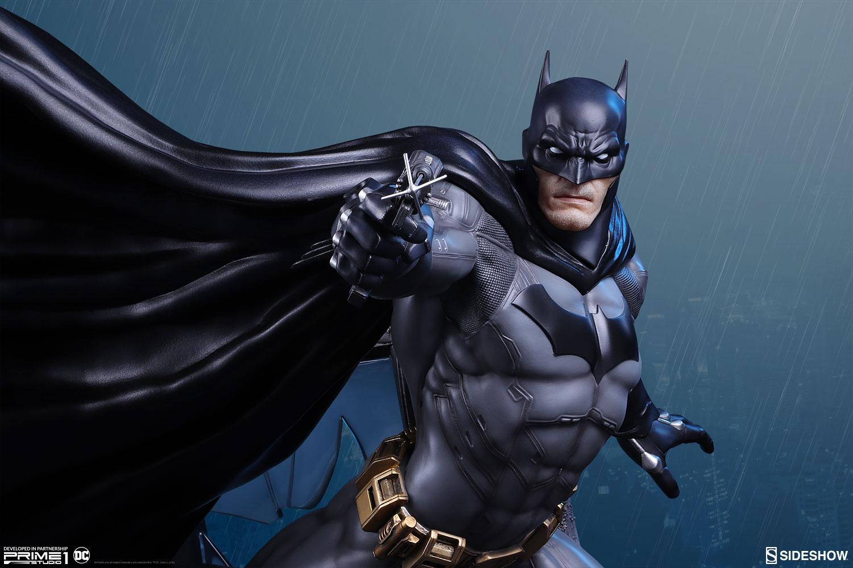 Batman Statue by Sideshow & Prime 1 Studio (Justice League: New 52)