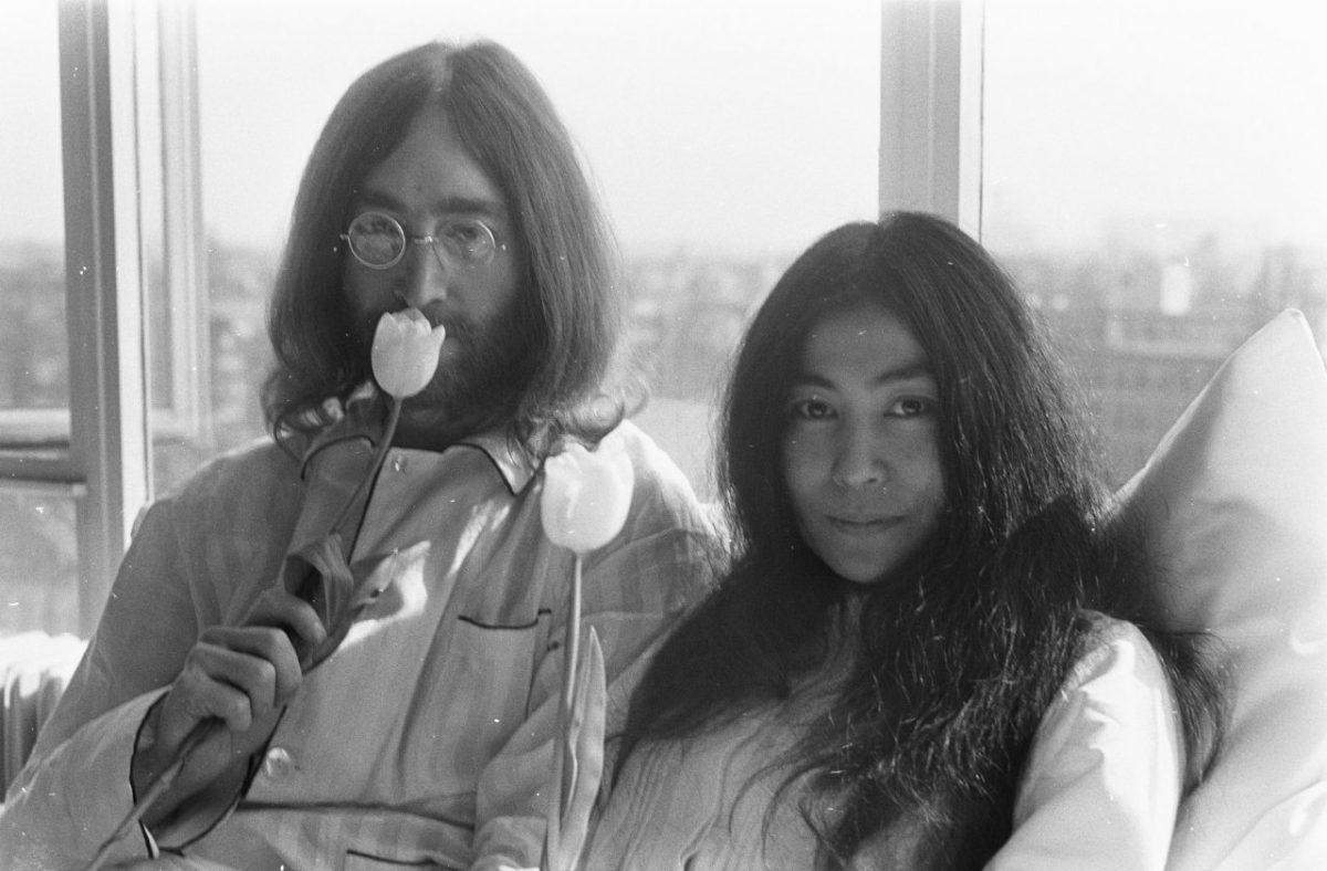 Universal produrrà un biopic su John Lennon e Yoko Ono?