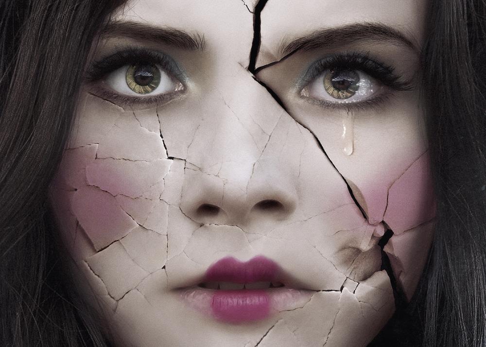 La casa delle bambole - Ghostland: ecco la locandina del nuovo film horror di Pascal Laugier