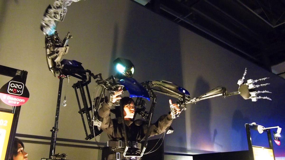 Un esoscheletro di tre metri per diventare un vero e proprio androide