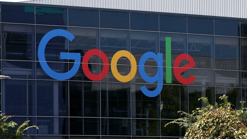 Google: dalla Francia maxi multa di 50 milioni per non aver rispettato le nuove direttive UE sui dati