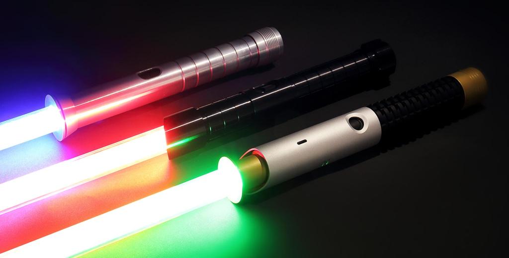CES 2019: Waan, spade laser resistenti con cui simulare combattimenti realistici