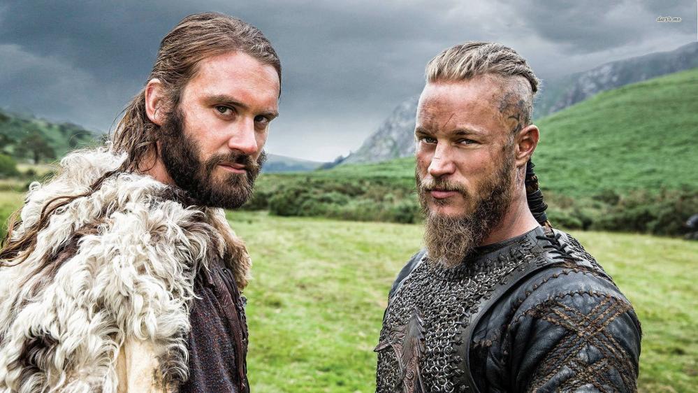 Ragnar Lothbrok e Rollo Lothbrok nella serie tv Vikings