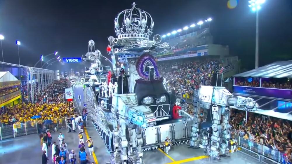 L'incredibile carro di Star Wars al Carnevale di Rio de Janeiro