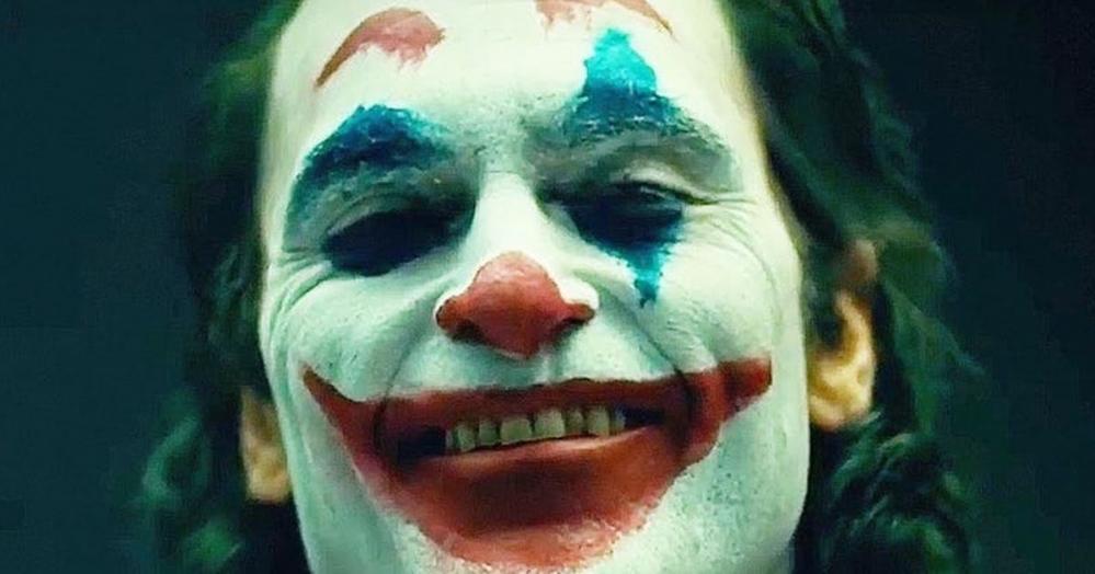 Joker, domani il primo trailer: ecco il teaser poster