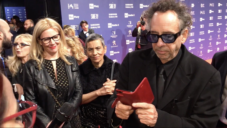 """Tim Burton: """"Tutti abbiamo delle paure, dovremmo solo accettarci per come siamo"""""""