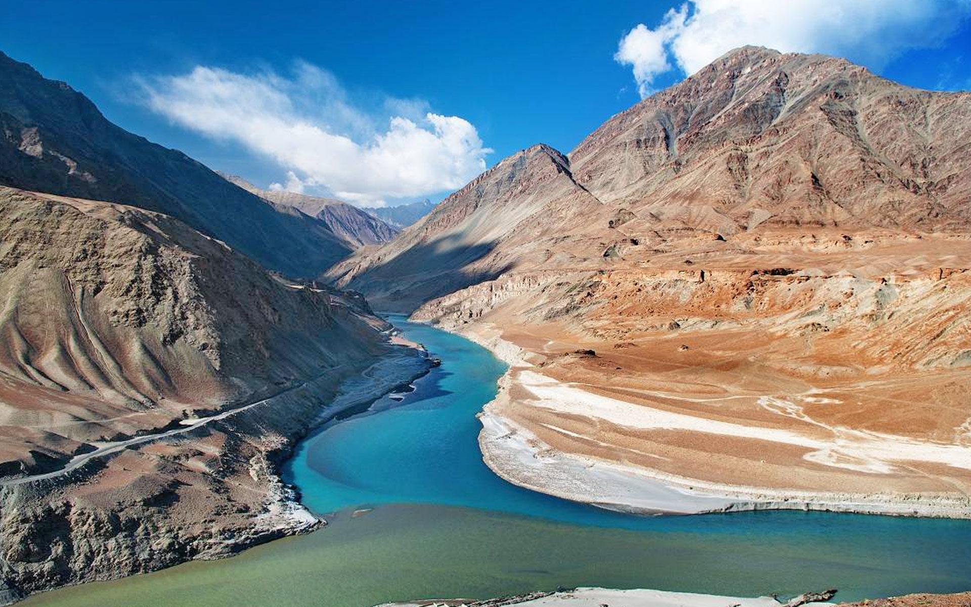 I ghiacciai dell'Himalaya si stanno sciogliendo: a rischio le scorte d'acqua per 221 milioni di persone