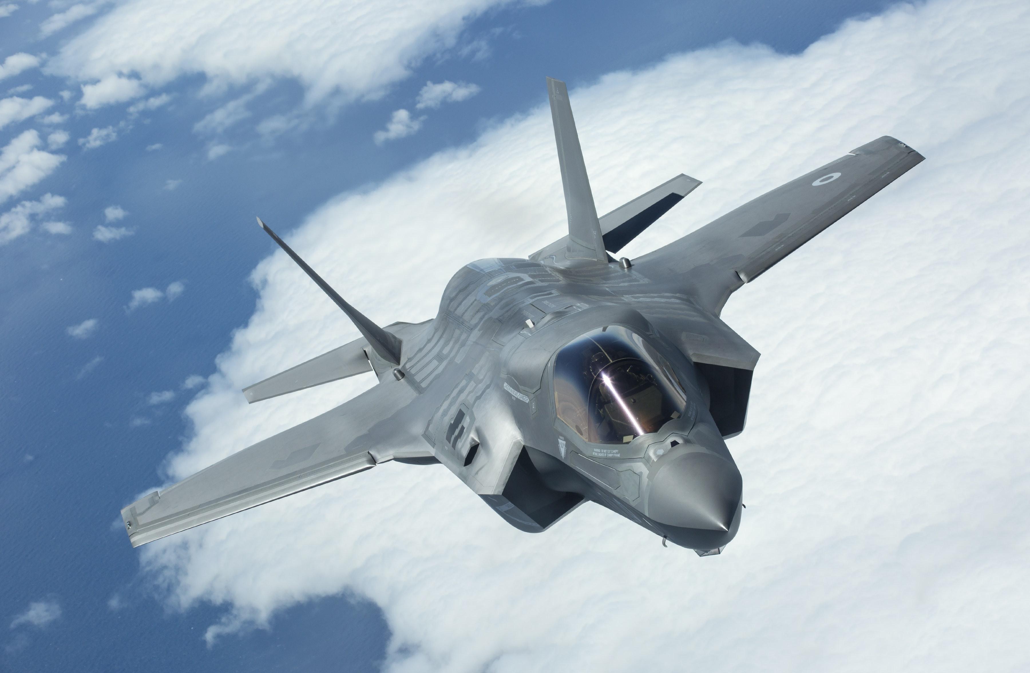 Questo video a 360 gradi ti mostra nel dettaglio l'interno di un F-35