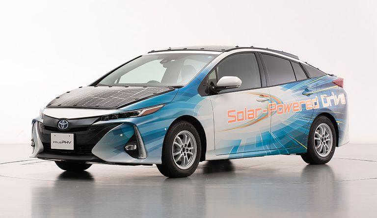 La Toyota elettrica alimentata dall'energia solare