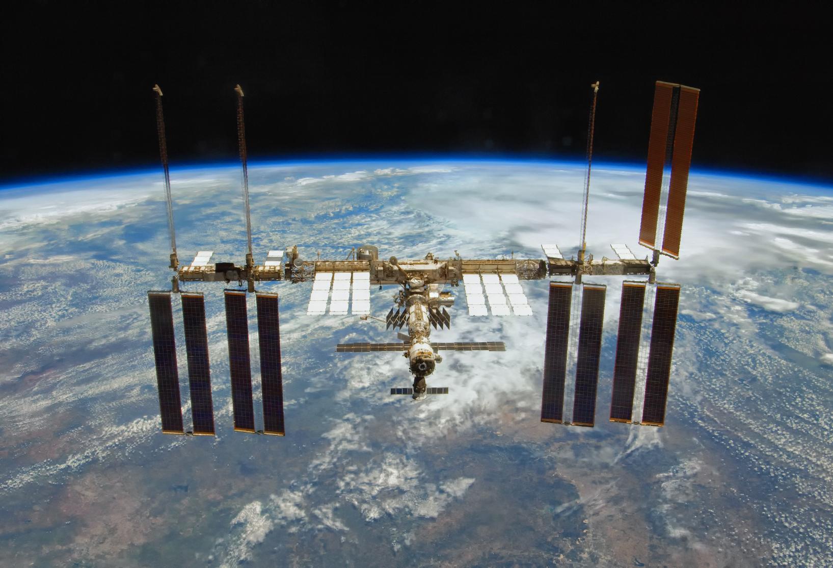 L'avvicinamento della Soyuz alla ISS ripreso da un incredibile video amatoriale