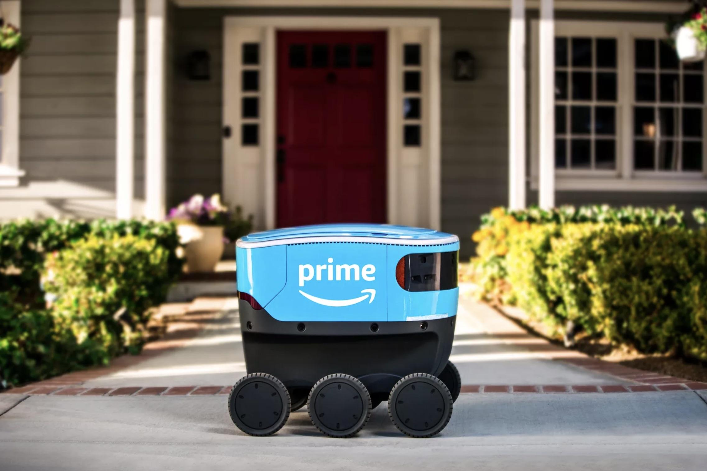 Amazon ha cominciato a consegnare pacchi con i suoi robot Scout
