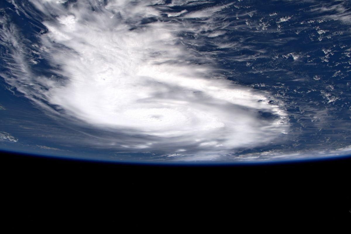 L'uragano Dorian visto dallo spazio