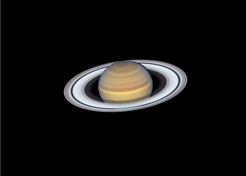 L'eleganza di Saturno nelle immagini di Hubble