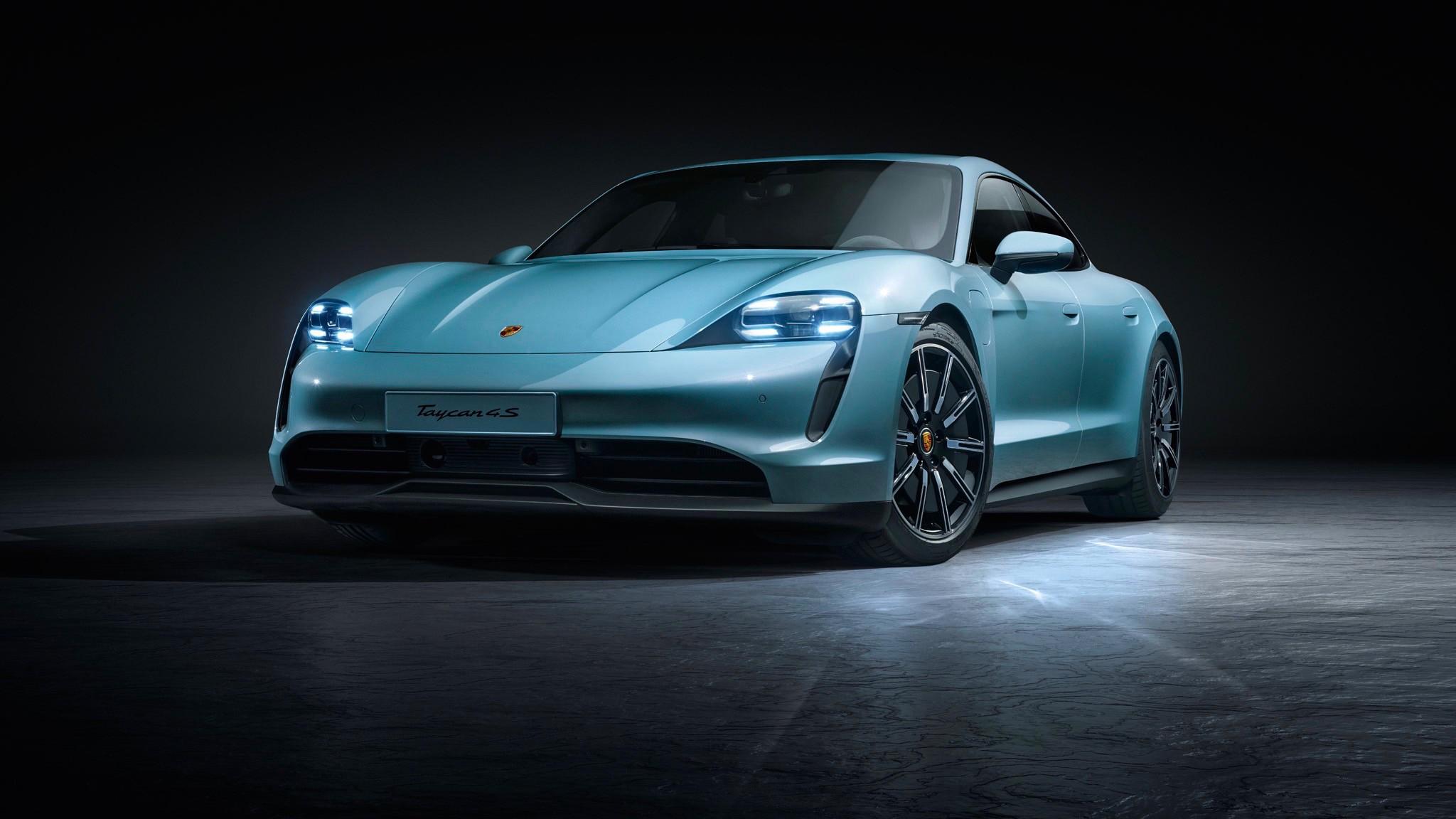 Porsche ha presentato la Taycan 4S, versione più economica della berlina sportiva elettrica