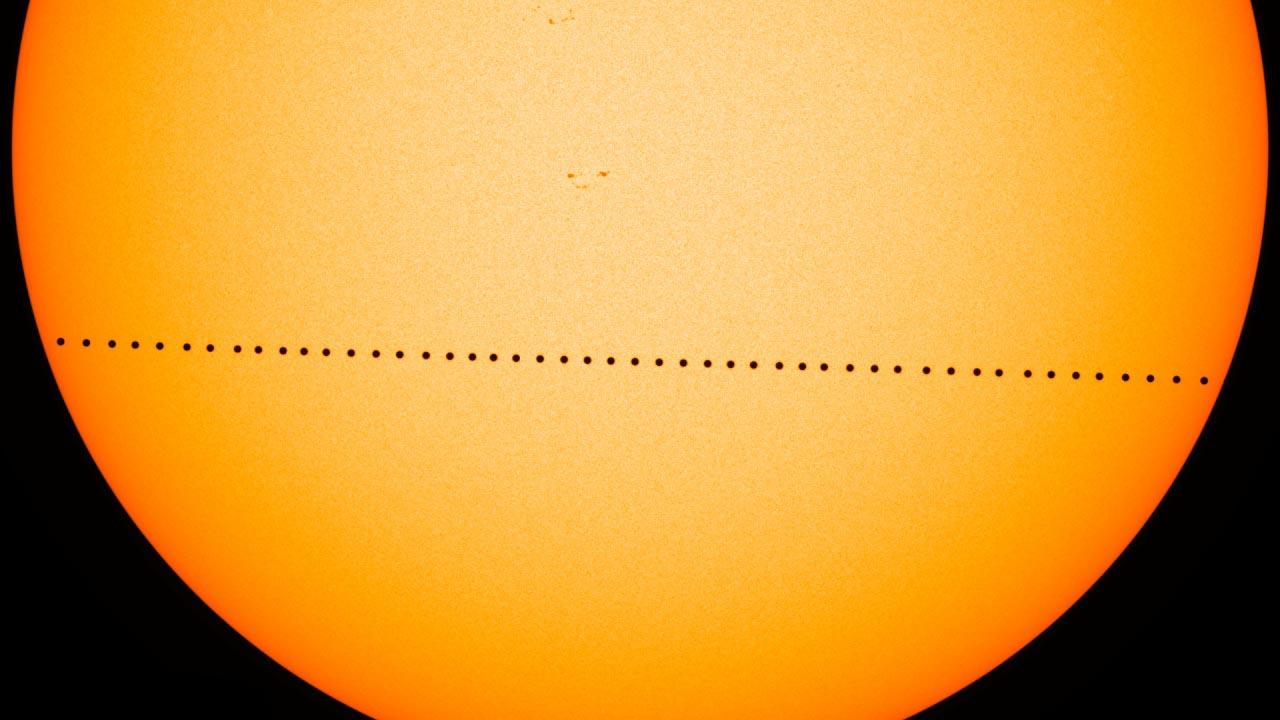 Oggi occhi al cielo, perché Mercurio transiterà davanti al sole