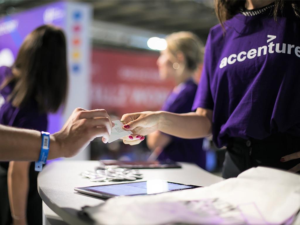 Accenture: opportunità di carriera per i profili STEM e non solo