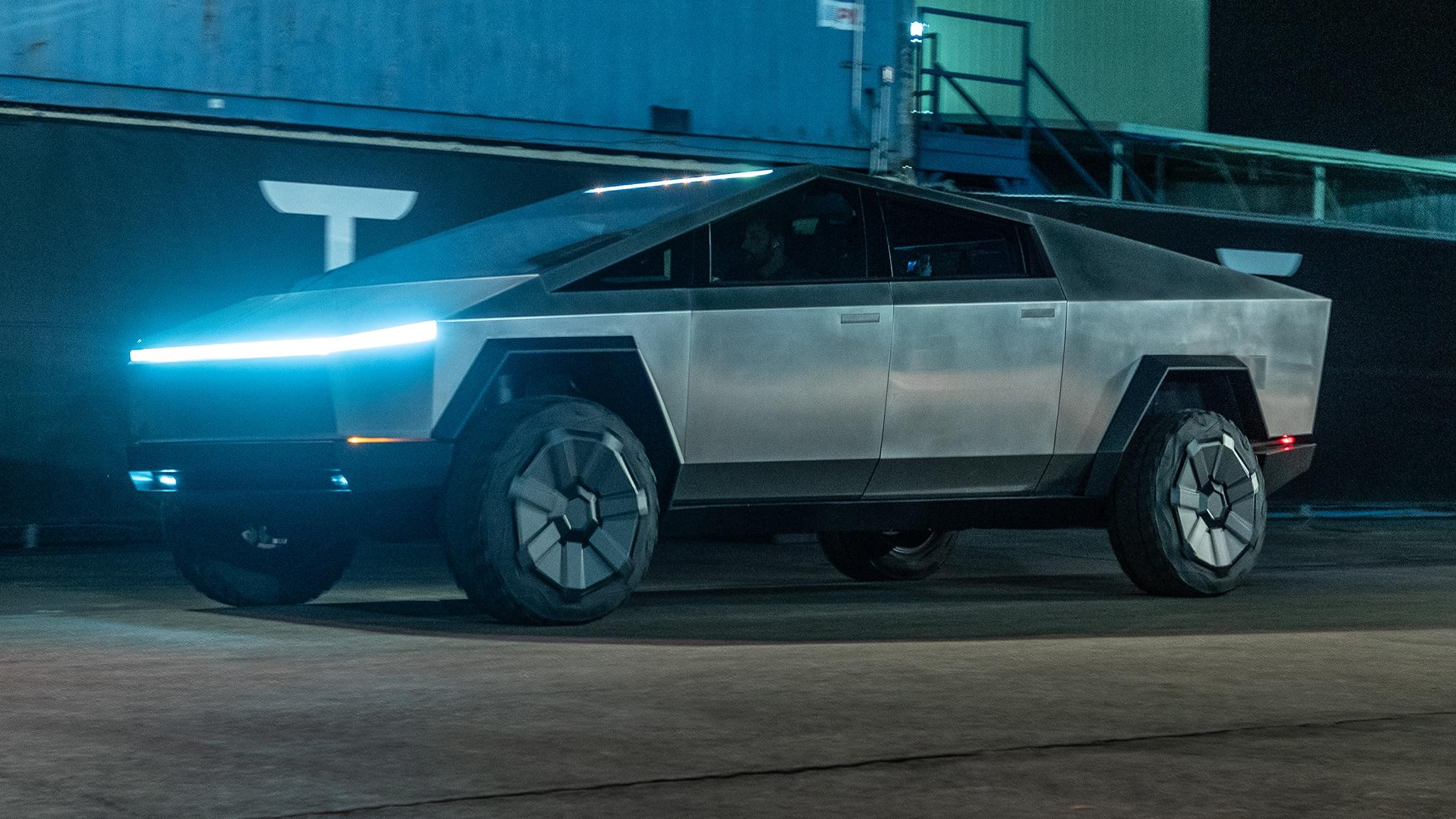 Cybertruck: niente maniglie per il furgone di Tesla
