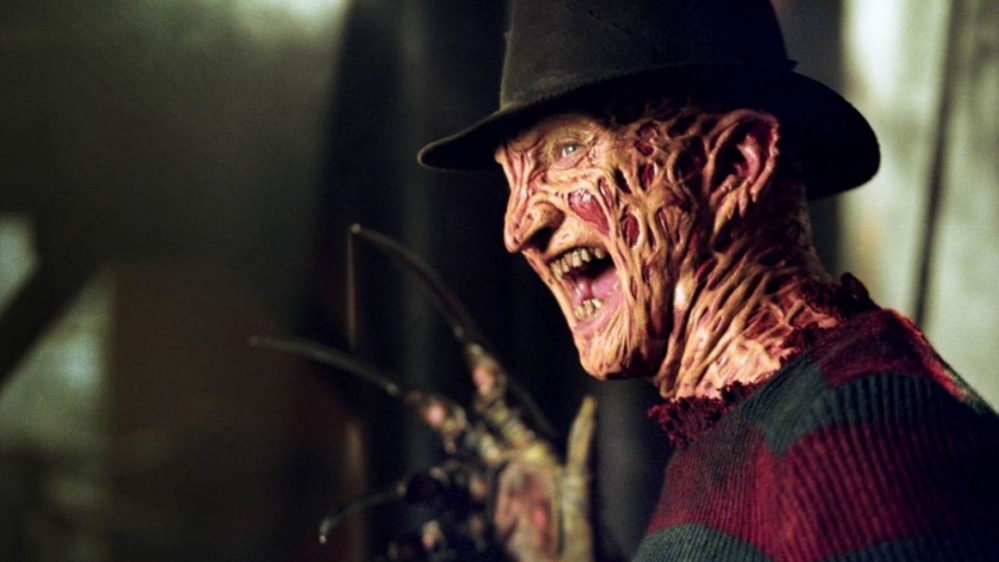 Robert Englund è Freddy Krueger