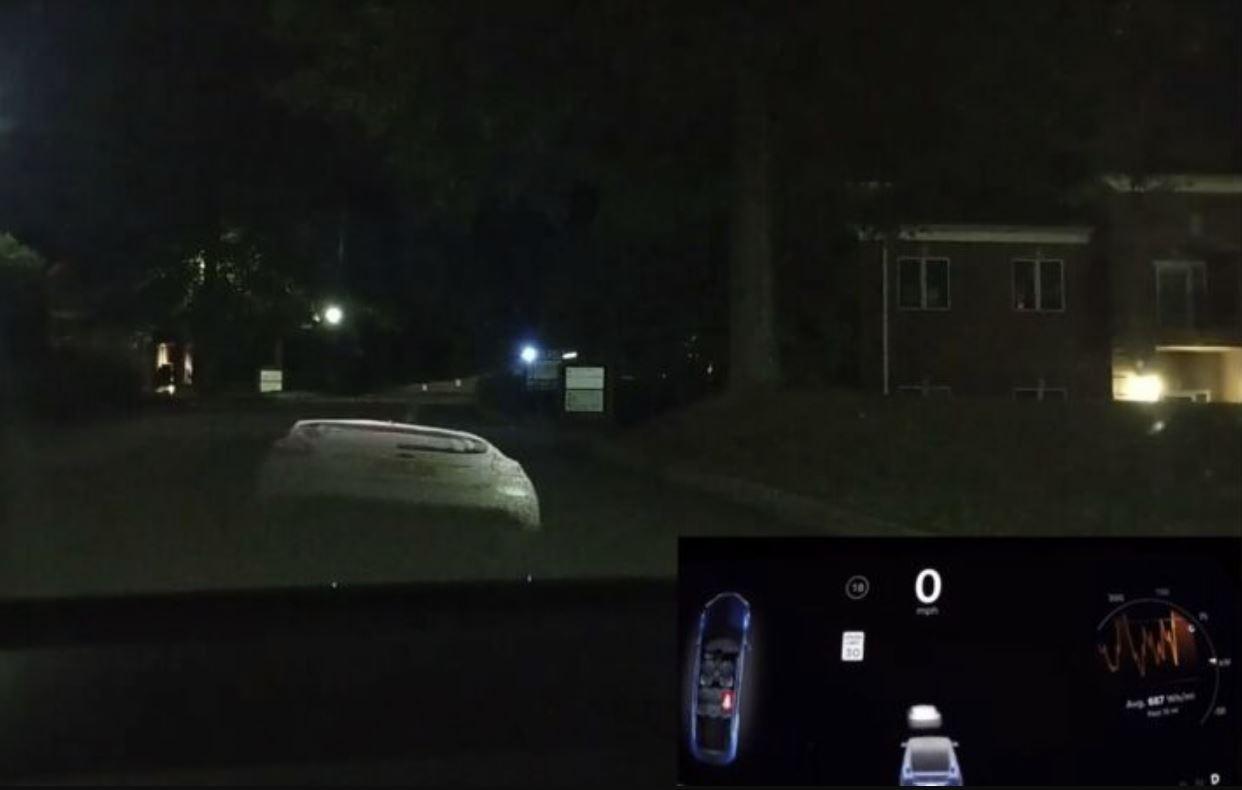Autopilot: basta un proiettore per mandare completamente in tilt la guida autonoma di Tesla