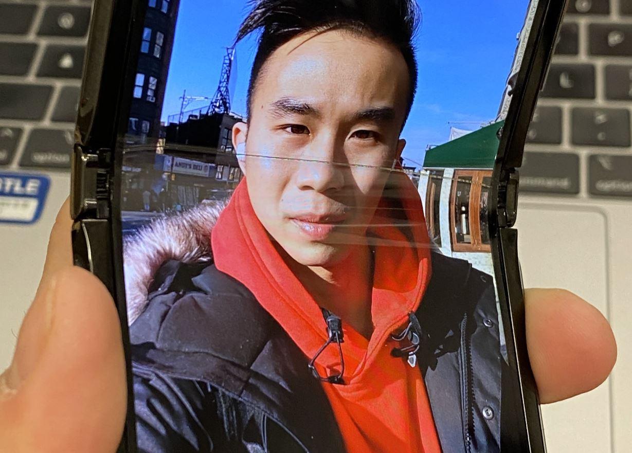 Motorola Razr, un giornalista è riuscito a rompere lo schermo dopo una settimana d'uso