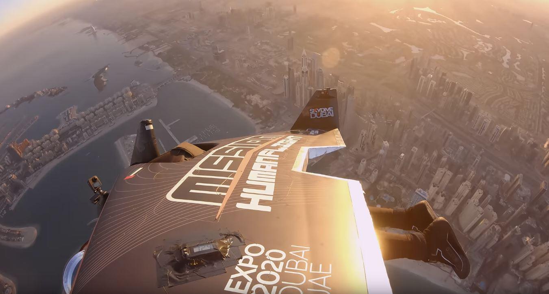 Jetpack, un pilota svizzero raggiunge i 1.200 metri d'altezza: il video