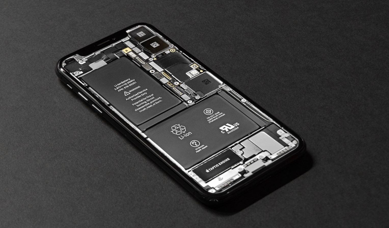 Batterie intercambiabili sugli smartphone per legge? L'UE ci pensa