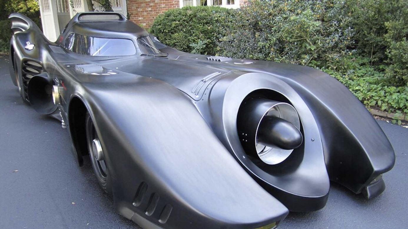 Vendesi Batmobile: questa replica può circolare su strada
