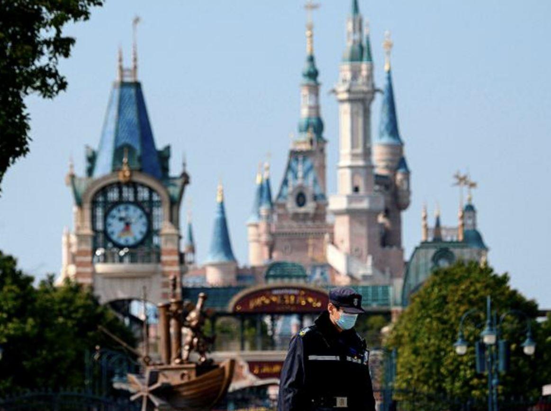 Disneyland non riaprirà più il parco ai visitatori il 17 luglio
